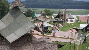 Ohne Armeematerial sind Grosslager, wie hier das Kantonslager der Berner Pfadi 2014, nicht machbar.