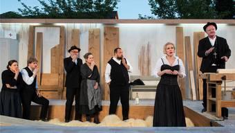"""Aufführung der """"Schwarzen Spinne"""" im Mai 2017: Auch auf dem Land soll man in den Genuss von professioneller Theaterkunst kommen."""