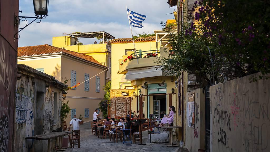 Griechenland zahlt jungen Leuten für Erstimpfung 150 Euro