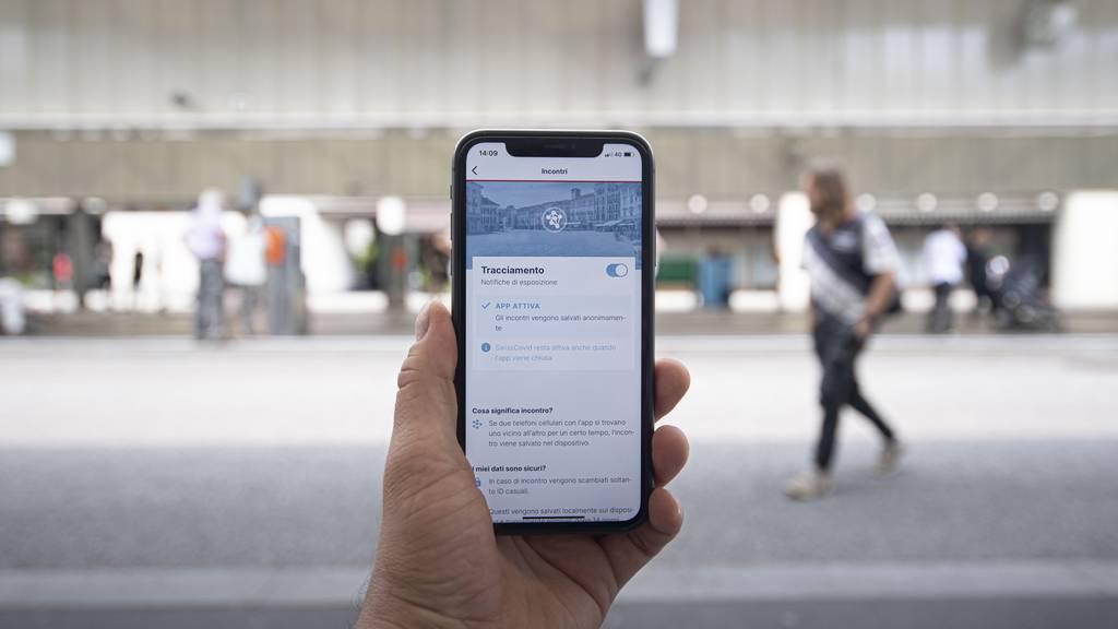 Stefan Kuster rief die Bevölkerung letzte Woche erneut zum Herunterladen der Swiss-Covid-App auf.