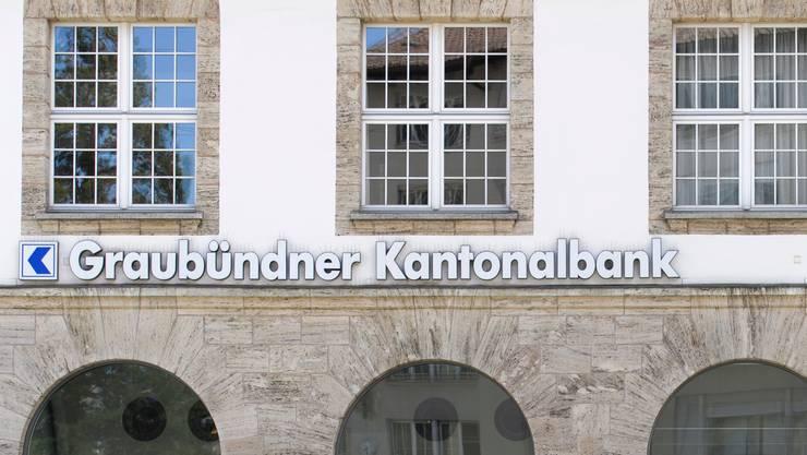 Die GKB schiebt dem Kanton Graubünden 100 Millionen Franken zu.