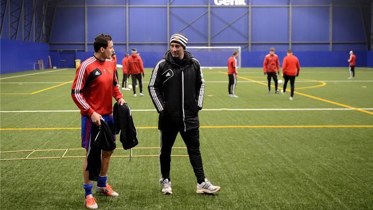 FCB-Coach Murat Yakin und David Degen.