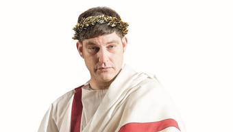 Kaiser Nero (David Bröckelmann) besucht am Sonntag um 11 Uhr zum letzten Mal das Vindonissa- Museum in Brugg. MA
