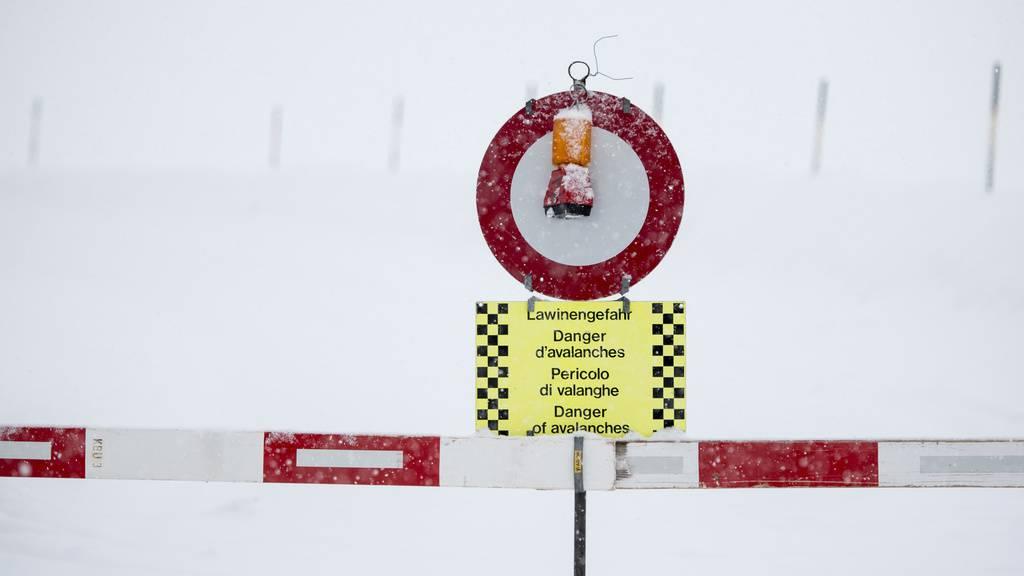 Oben ist der Schnee gefährlich - unten die Steine