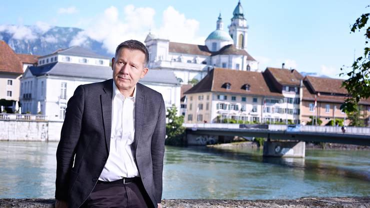 Christof Gasser, 59, Betriebsökonom ehemaliger Dozent für Strategisches Management Fachhochschule Nordwestschweiz, lebte und arbeitete während zwölf Jahren in Asien, heute selbstständiger Schriftsteller und Autor der schweizweit erfolgreichen «Solothurn»-Krimis.