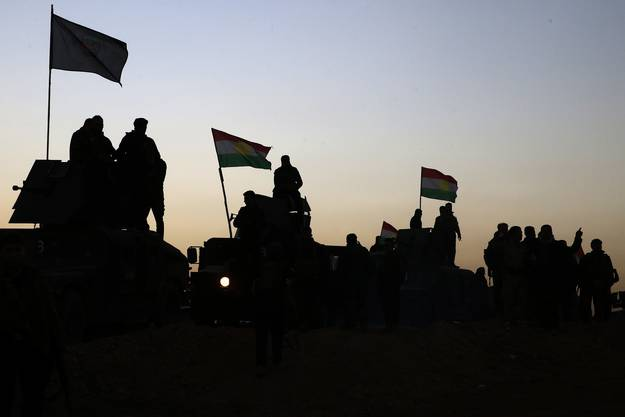 Im Morgengrauen zogen die Streitkräfte Richtung Mossul.