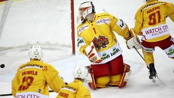 Biels Goalie Jonas Hiller hatte nach fünf kassierten Gegentoren genug.