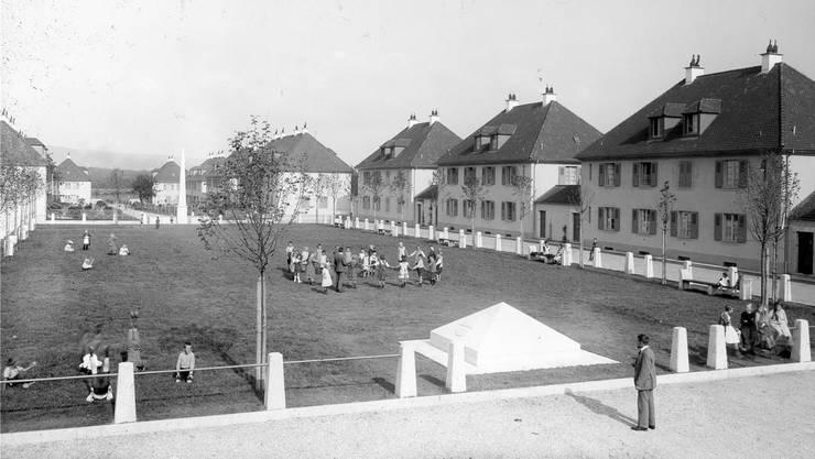 In den Anfangszeiten war das Freidorf für die Bewohner der Lebensmittelpunkt, die Siedlung als gemeinschaftliches Dorf gedacht.