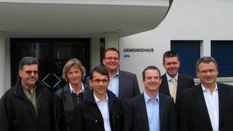 Kandidieren für die FDP: V. l. Dieter Martin, Ursula Spinnler, Michael Brandmaier, Stefan Semela, Christoph Villiger, Peter Marten und Christian Bossard. zvg