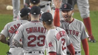 Nichts ist süsser: Die Spieler der Boston Red Sox feiern ihren 16:1-Triumph letzte Nacht in New York