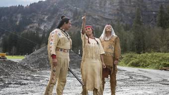 Der Wilde Westen liegt nächsten Sommer in Engelberg. Dafür sorgen (v.l.) Tom Volkers als Winnetou, Alejandra Cardona als Nscho-tschi und Giso Weissbach als Klekih-petra.
