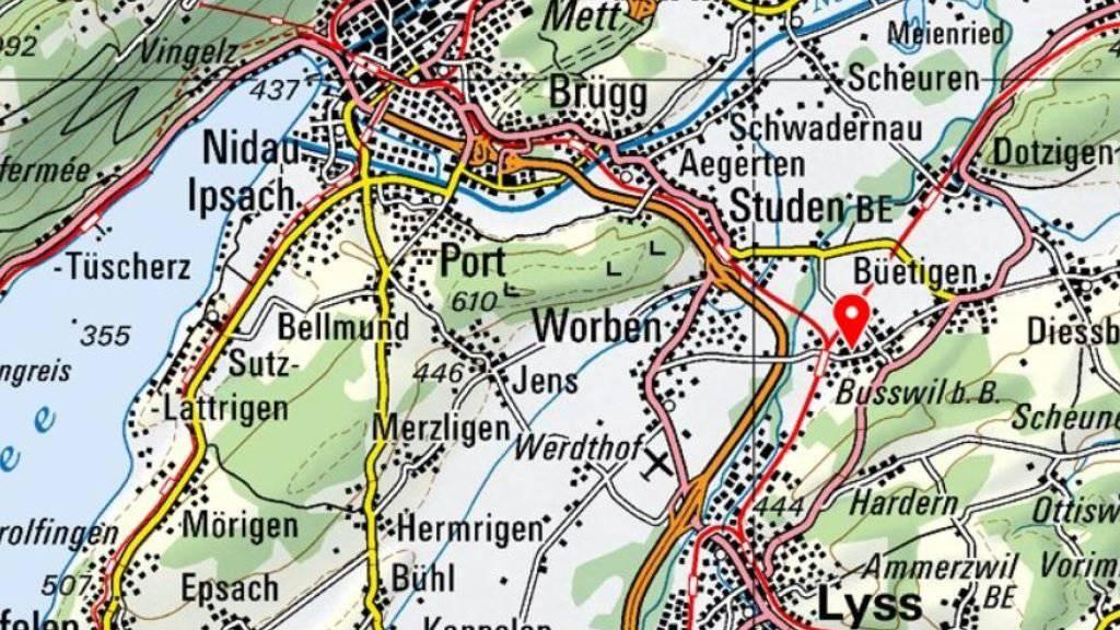 In Busswil BE bei Biel ist am Samstag ein Bauzug entgleist. Die Regionalexpress-Linie Bern Biel und die Berner S-Bahn-Strecke 3 sind bis voraussichtlich Montagmorgen unterbrochen.