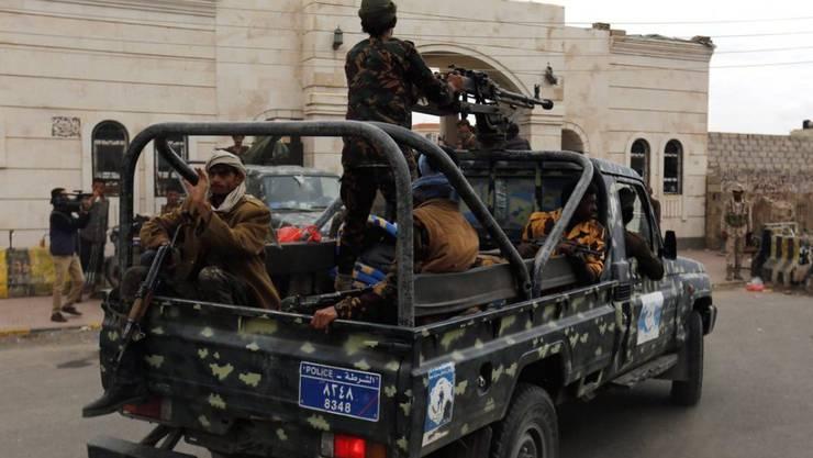 Jemenitische Soldaten in Sanaía: Al Kaida profitiert vom Machtvakuum im Jemen und kann ihren Einflussbereich ausbauen. (Symbolbild)