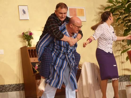 Impressionen von der Premiere der Komödie «Schlüssel für zwei» mit dem Theaterverein Stein.