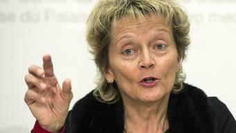 Bundesrätin Eveline Widmer-Schlumpf reist am Dienstag ins Tessin, um sich die Sorgen der Einheimischen anzuhören (Archiv).