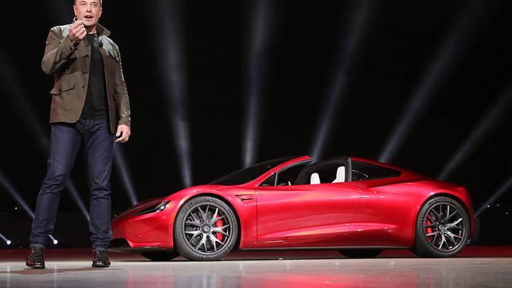 Elon Musks Tweet zu einem möglichen Börsenabgang beschert dem Management des Elektroautoherstellers Probleme mit der Börsenaufsicht. (Archivbild)