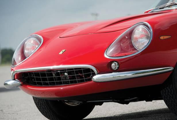 Ferrari 275 GTB/4 N.A.R.T: Wohlgeformte Front. Sie stammt aus der Küche deslegendären Designers Pininfarina