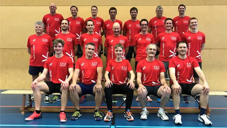 Der TV Lupfig heute: Die Mitglieder in den T-Shirts für das Eidgenössische Turnfest in Aarau, das im Juni stattfindet.