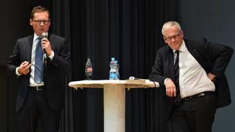 Roger Köppel (SVP/ZH) und Kurt Fluri (FDP/SO) sind eisern per Sie.