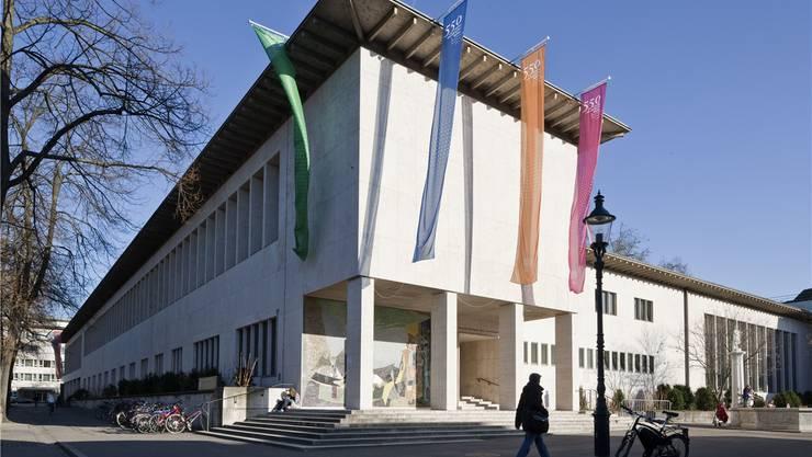 Kollegiengebäude in Basel: Immer mehr Studenten kommen aus anderen Kantonen und dem Ausland. KEY