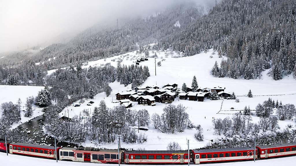 Wegen Lawinengefahr und Schnee sind mehrere Bahnstrecken gesperrt