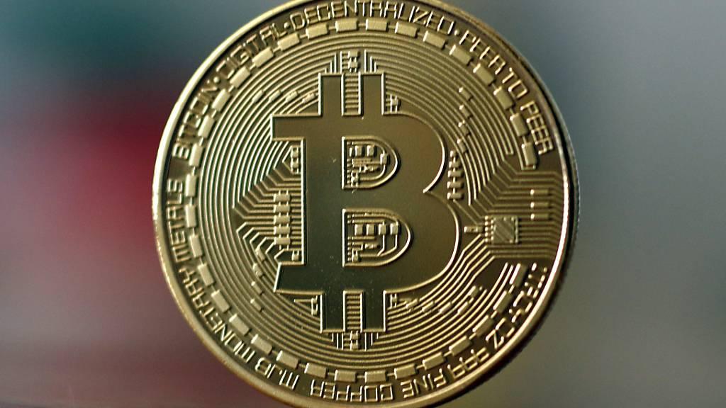 Die Digitalwährung Bitcoin ist so wertvoll wie nie. (Archivbild))