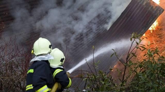 Die Feuerwehr Reinach-Leimbach hatte 2010 viel zu tun. (Symbolbild, Archiv)