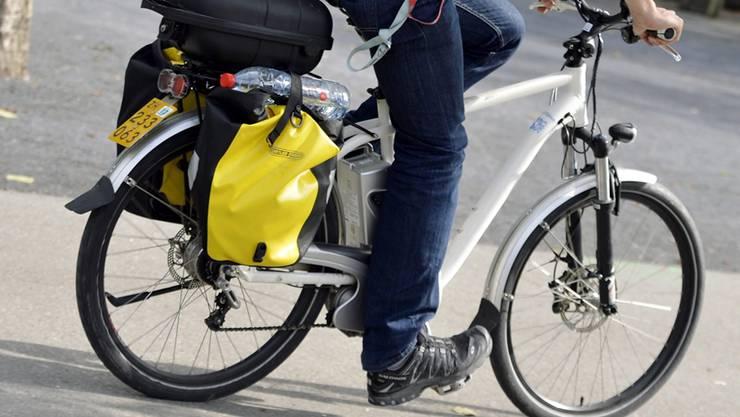 E-Biker mittelschwer in Suhr verunfallt