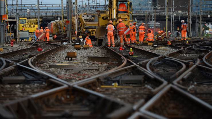 Die Erneuerungen sind nötig, da Schienen, Schwellen und Schotter durch Witterung und Zugsverkehr abgenutzt wurden (Symbolbild).