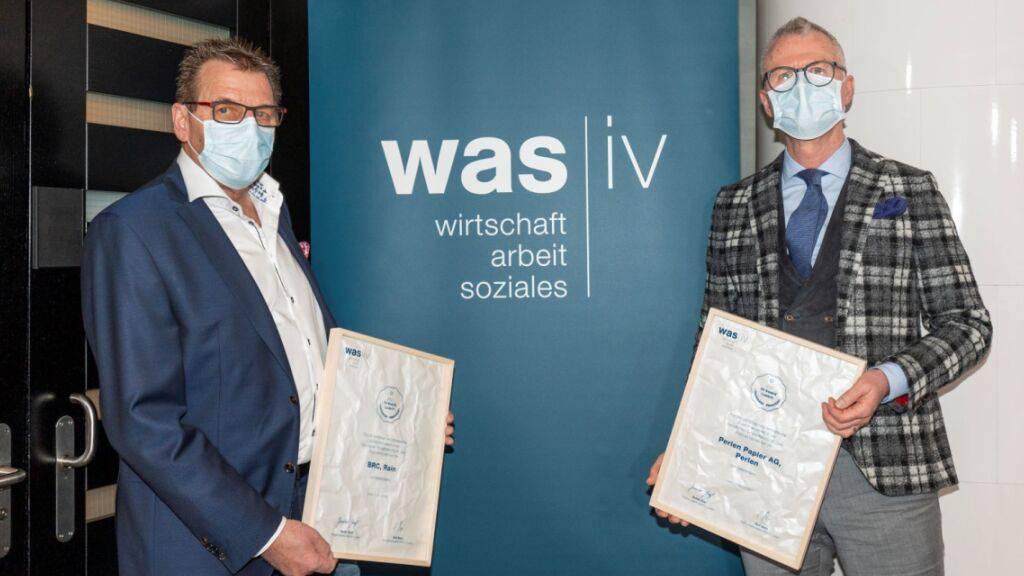 Die beiden IV-Award-Gewinner: Alois Portmann, CEO BRC, Rain (links) und Klemens Gottstein, Mitglied der Geschäftsleitung Perlen Papier AG, Perlen.