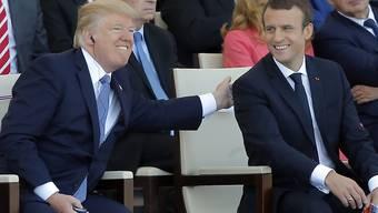 Der französische Präsident Emmanuel Macron wird dem US-Präsidenten Donald Trump im April einen Staatsbesuch in Washington abstatten. (Archivbild)