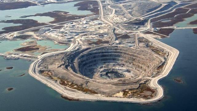 Eine Diamantmine in Kanada