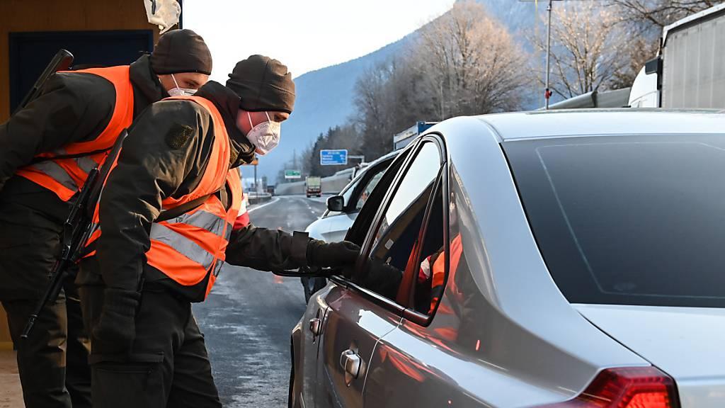 Testpflicht bei Ausreise aus Tirol wird um zehn Tage verlängert