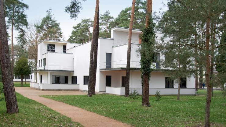 Die Meisterhäuser in Dessau (von Walter Gropius 1925-26 gebaut) wurden zu Vorbildern für den modernen Wohnungsbau.