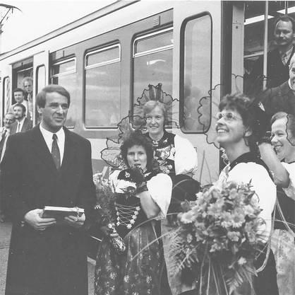 Extrazug RBS für neu gewählten Bundesrat Adolf Ogi am 18. Dezember 1987 in Fraubrunnen.