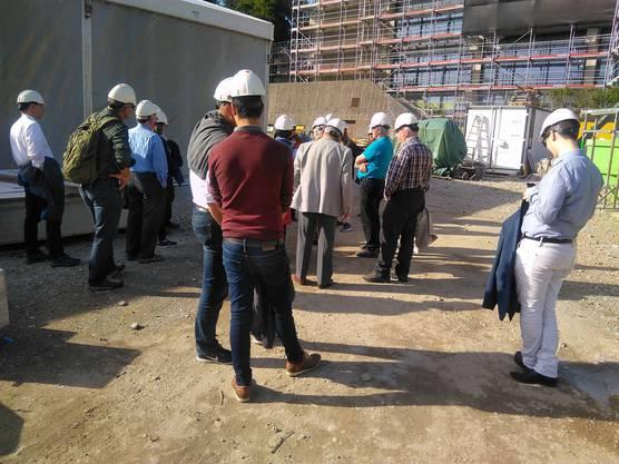 Besichtigung der Kanti-Baustelle.
