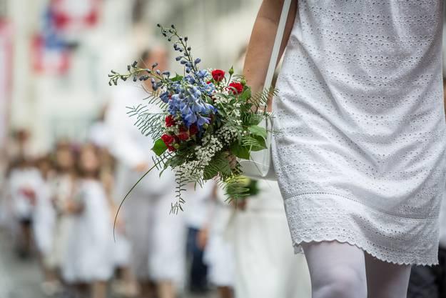 Der traditionelle Maienzug in der Aarauer Altstadt und dem Telliring fand am 1. Juli 2016 statt.
