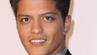 Lächelt von der Playboy-Titelseite: Sänger Bruno Mars (Archiv)