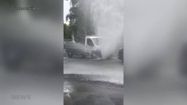 Autofahrer verursacht Hochwasser bei Parkier-Manöver