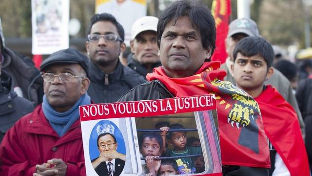 Rund 200 Tamilen verlangen in Genf ein internationales Gericht