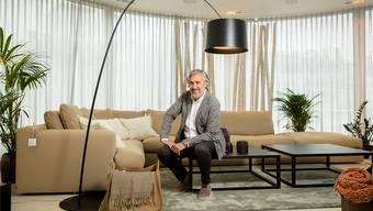 Seit 19 Jahren führt Raoul Burger das Design-Möbel-Fachgeschäft «in!baden». Sandra Ardizzone