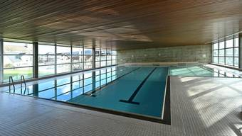 Das Hallenbad mit Schwimmer- und Lernschwimmbecken kann saniert werden.