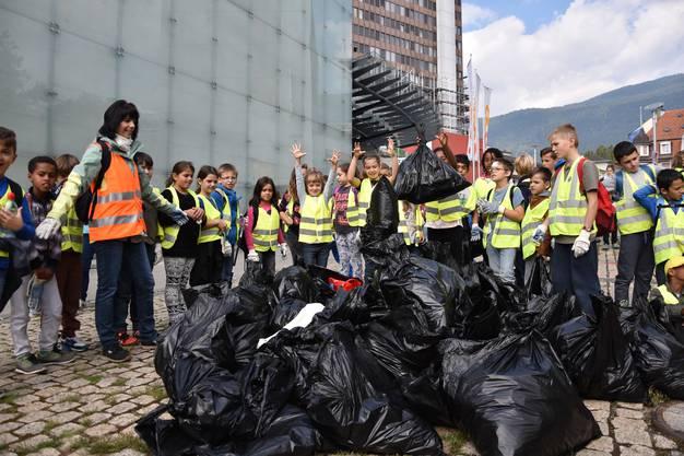 Der Abfall wurde auf der Bachstrasse aufgeschichtet