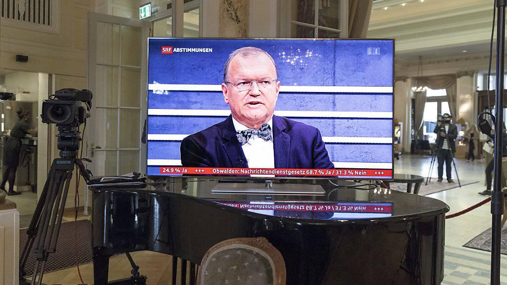 Claude Longchamp verabschiedet sich vom TV. Der Meinungsforscher kommt nach über 25 Jahren als Abstimmungserklärer und Politanalytiker zum Schluss: Die Schweiz sollte zu einem Berufsparlament wechseln. (Archivbild)