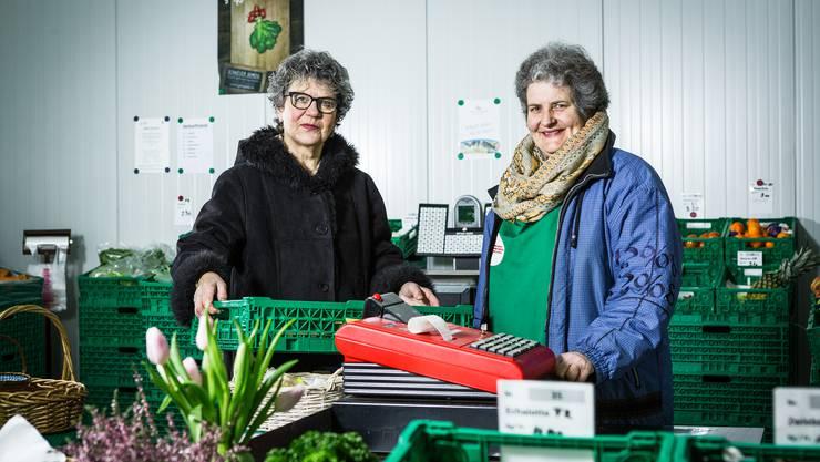 Marianne Barmettler (links in Schwarz) mit Marianne Pfändler.