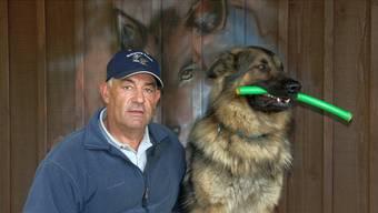 Hundetrainer Hans Schlegel muss der Versteigerung seiner Liegenschaft in Gansingen entgegensehen. – Foto: sh