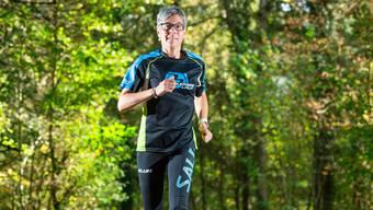 Mittagspause im Grünen: Sonja Schnider trainiert im Aargauer Wald.