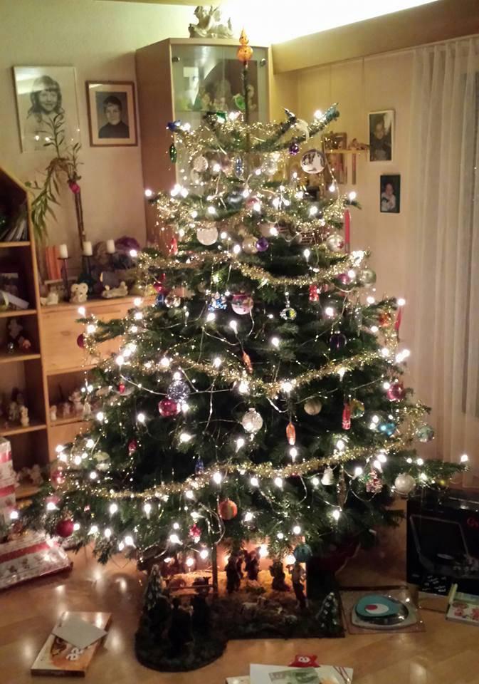 Reich geschmückt, der Christbaum von Manuela