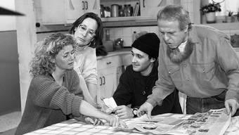 """Trudi Roth (2. von links) spielte in der Comedy-Serie """"Fascht-e-Familie"""" die Tanta Martha. Roth ist am Samstag im Alter von 86 Jahren gestorben. (Archivbild)"""