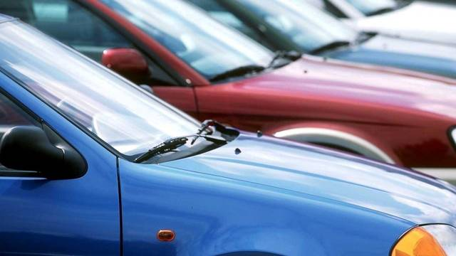 Die Verkäufe von Neuwagen in der Schweiz sind kräftig gestiegen (Symbolbild, Archiv)